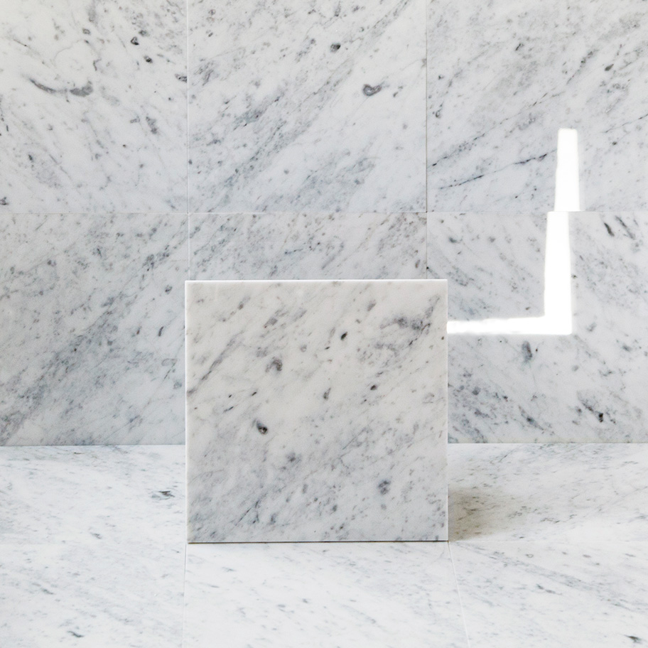 Marmor Arredo Carrara C Polerad 30×30 cm