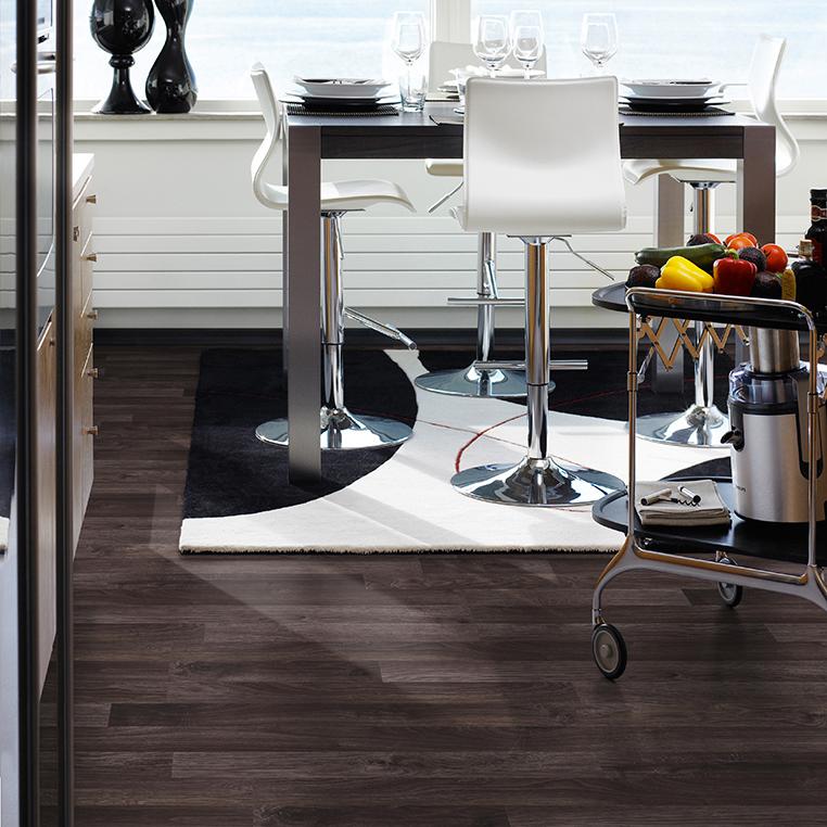 Laminatgolv Pergo Classic Plank Dark Brown Oak 3-Stav