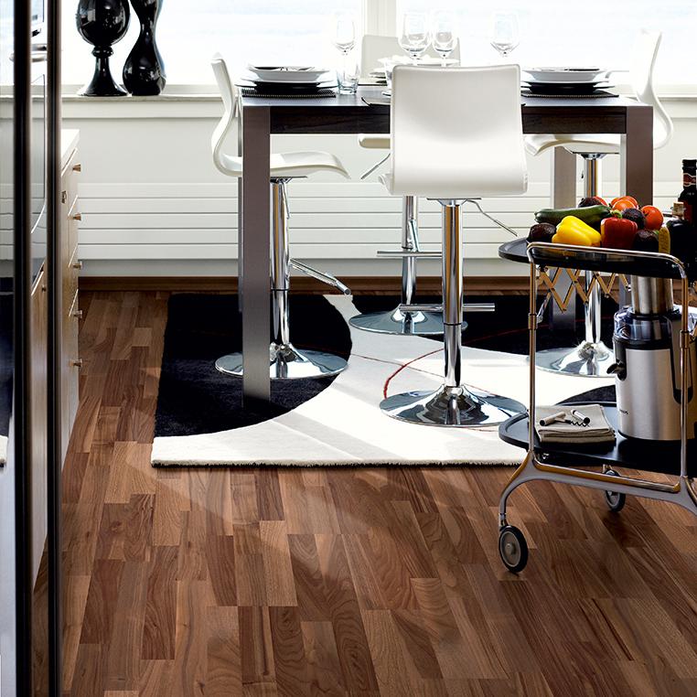 Laminatgolv Pergo Domestic Extra Classic Plank Valnöt 3-Stav