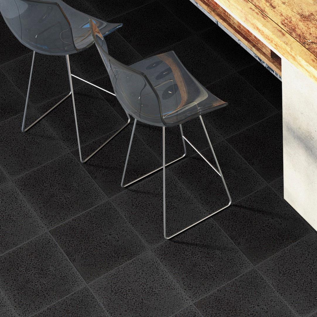 Granit Ibrastone Black Blankpolerad 31x31 cm