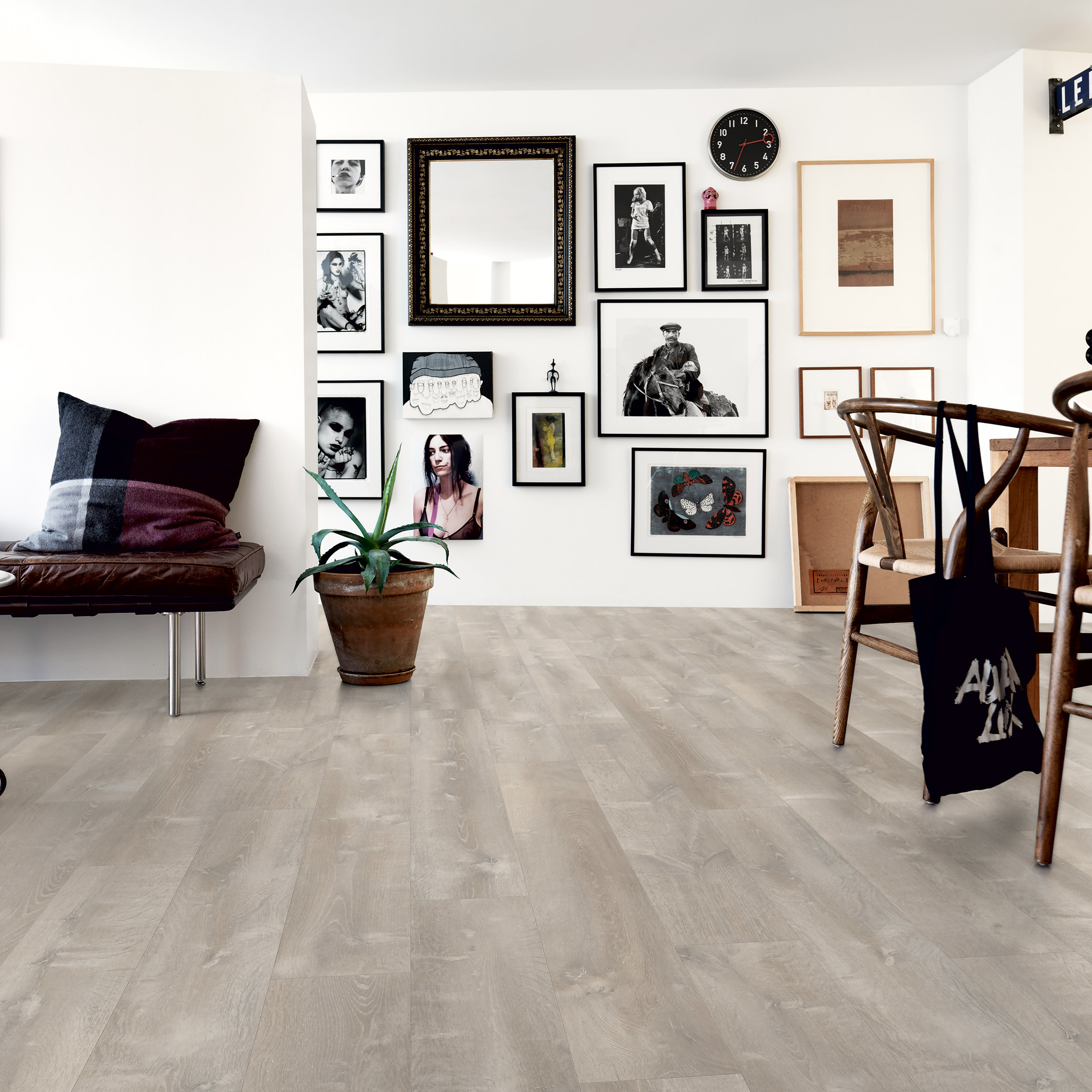 Vinylgolv Pergo Rigid Click Modern Plank Grey River Oak
